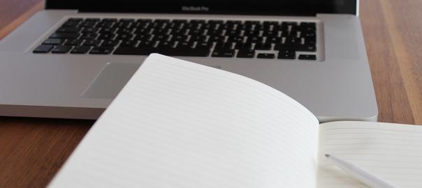 MacBook Pro, Computer, PC, Laptop, Notizbuch, Block, Stift